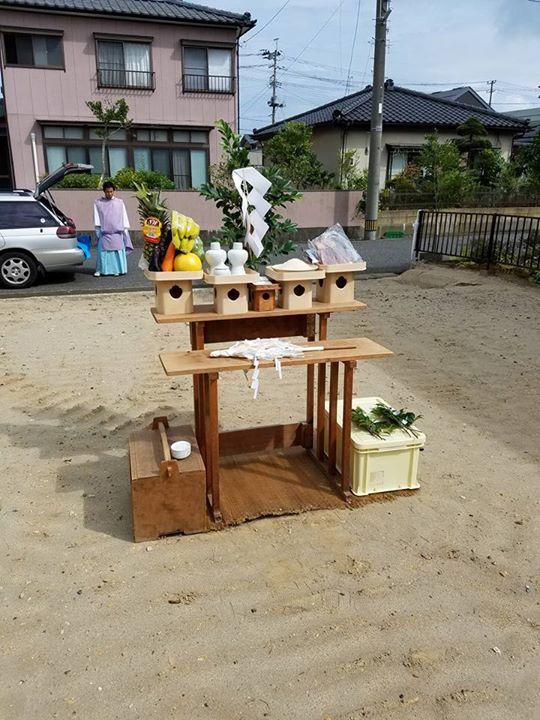 昨日はS様邸の地鎮祭を執り行いました。