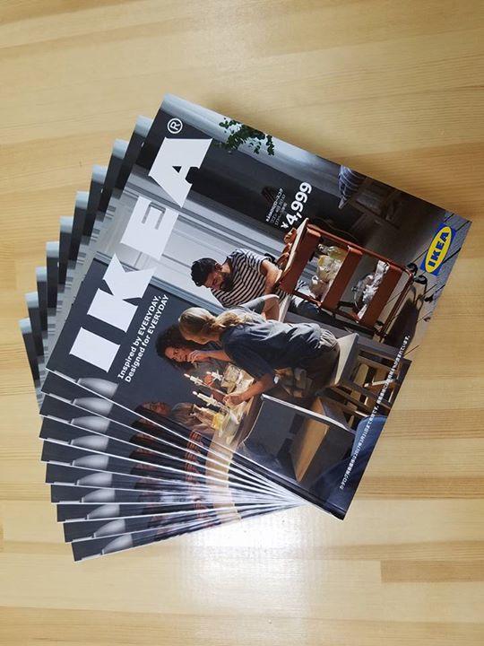先日IKEAへ小物の仕入れに行った際に、カタログが配布されていましたので10部程頂いて来ました。